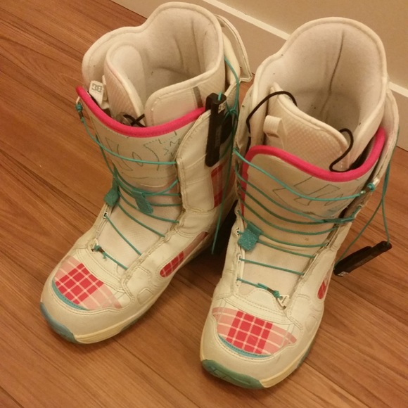 DC Women's snowboard boots. Size 9